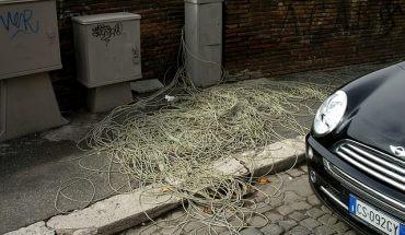 Quel que soit votre fournisseur telecom, internet n'existe pas sans connexion physique tels que des cables.