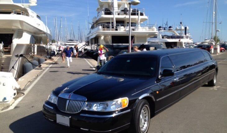 une location de limousine avec chauffeur pour les vacances dans le sud. Black Bedroom Furniture Sets. Home Design Ideas